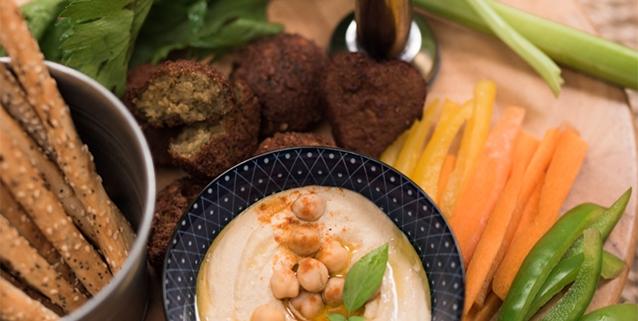 momen hummus falafel