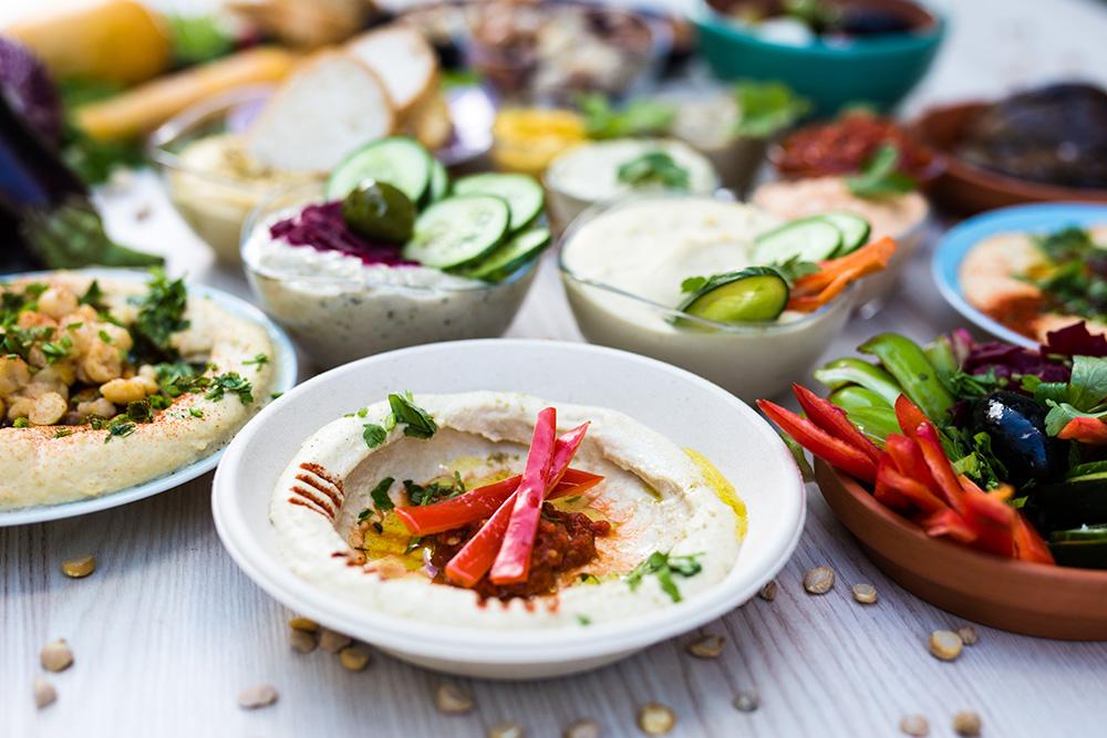 momen vorspeisen hummus salate