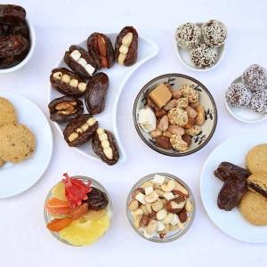gesunde snacks sortiment momen food